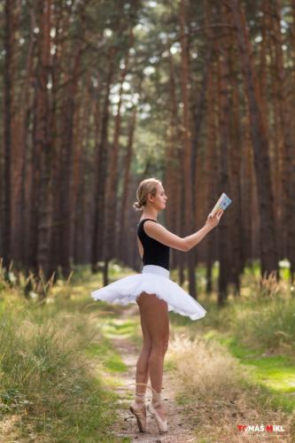 helena balet 2019 02